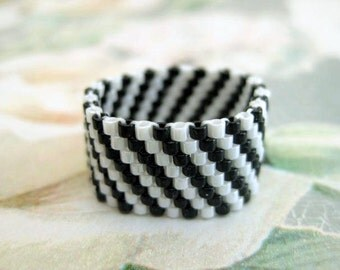 Peyote Ring  - Beadwork Seed Bead Ring Band Striped size 4, 5, 6, 7, 8, 9, 10, 11, 12, 13