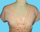 Vintage Gauze & Lace Trimmed Indian Cotton Blouse in Peach