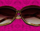 "Vintage 70s ""Foster Grants""  Tortoise Shell Sunglasses Made in USA"