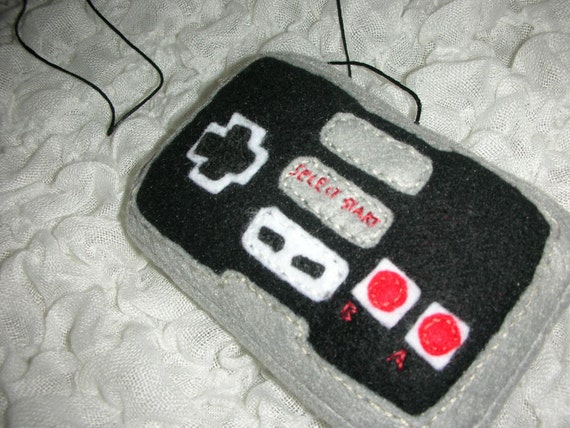 ORIGINAL Nintendo controller for felines