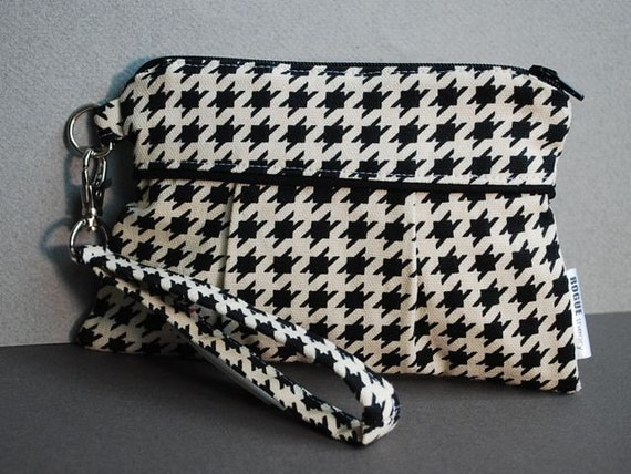 Wristlet / Clutch / Purse / Bag - FLOR POCKET WRISTLET - Houndstooth Black and Off-White