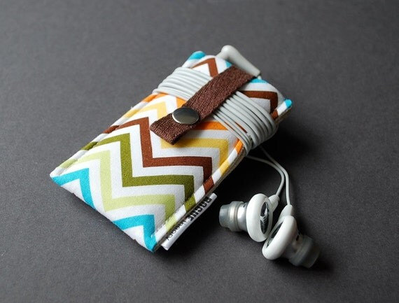 iPod Nano Case / iPhone 7 Plus Case / Samsung Galaxy S7 Edge Case / iPhone 6S Plus Case / htc one m9 case - Zig Zag Rainbow