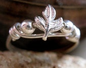 Pretty Little Sterling Silver Leaf  Ring