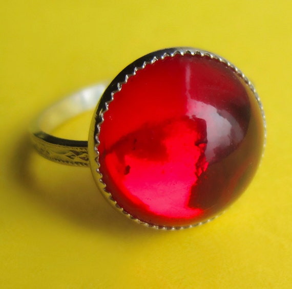 Vintage Sterling Silver and Red Swarovski Glass Ring in Size 6, 5, 4 or 3