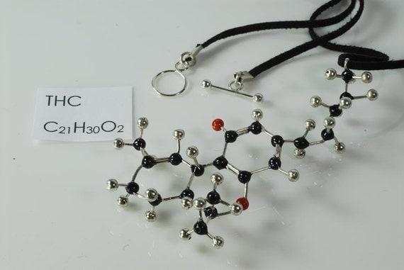 THC Molecule Necklace - C21H30O2