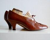 warm nut brown vintage lace-up oxford heels, size 8