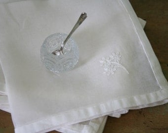 Vintage Sheer White NAPKINS - Set of 4