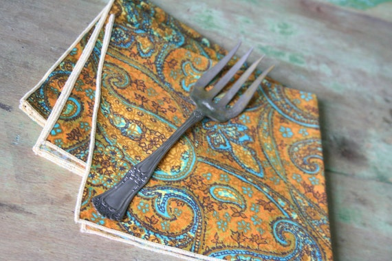 Vintage Paisley Cloth NAPKINS - Set of 3