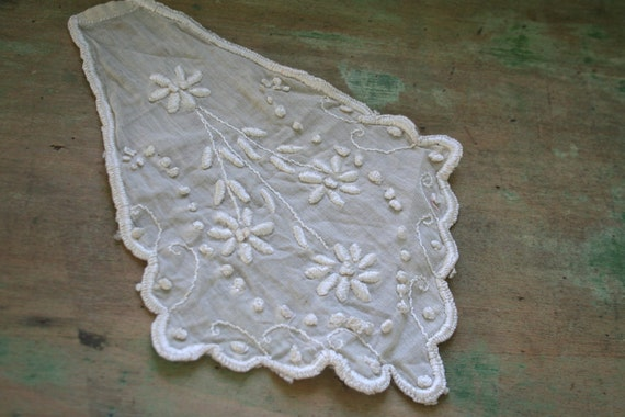 Vintage Machine Embroidered LACE Piece for Repurposing