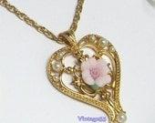 Vintage Necklace Pendant Rose Avon