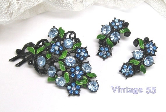 RESERVED Mixpip  Vintage Brooch Rhinestone Earrings clip on