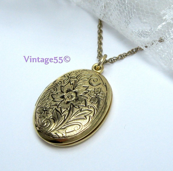 Vintage  Necklace Locket Gold filled Floral etched