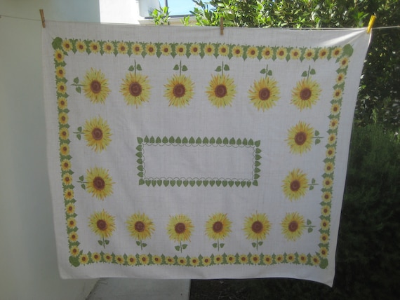 Vintage Tablecloth, Sunflower Print, Cotton Table Cloth with Yellow Flowers, Rectangular Table Covering