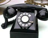 vintage phone ready to plug and go... working ring and great retro style