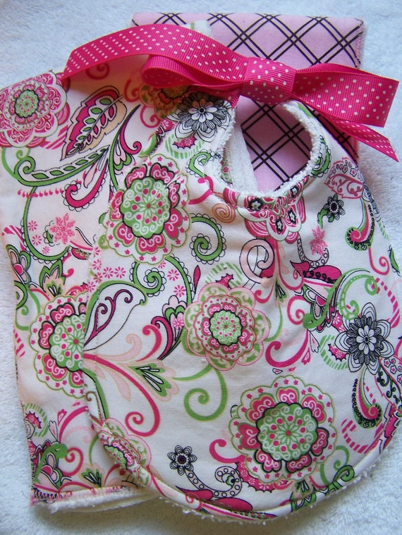 Baby Bib and Burp Cloth set, Boutique baby Retro. Great for your little one or as a baby shower gift. Super absorbent and cute.