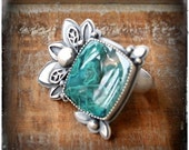Beneath the Surface Ring- A Green Moss Agate and Sterling Silver Finger Festoon