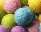 SALE - 2CM Felt Balls/60-Piece - Springy Mix