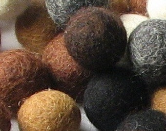 2CM Felt Balls/60-Piece - Neutral Mix