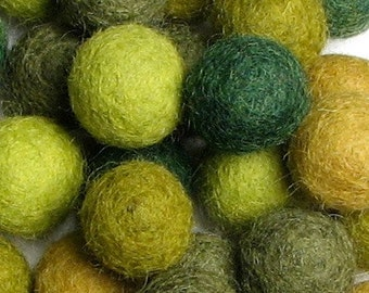 2CM Felt Balls/60-Piece - Evergreen Mix