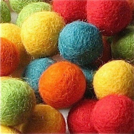 2CM Felt Balls/60-Piece - Fiesta Mix