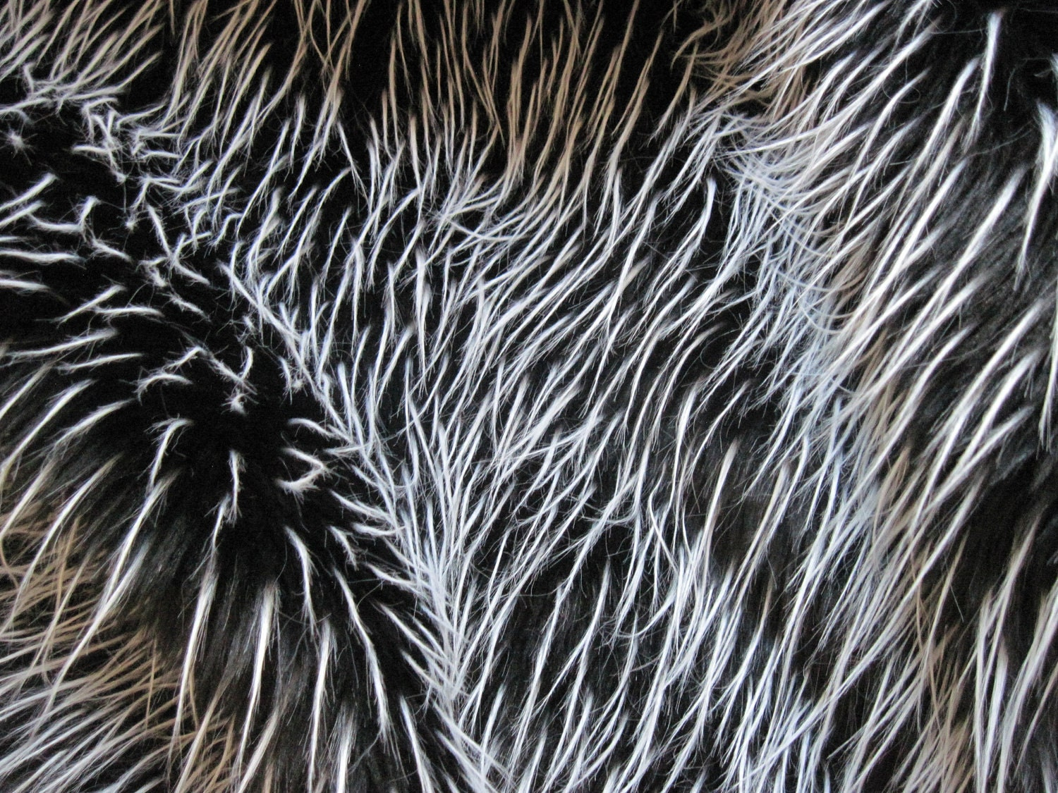 black and white feather faux fur fabric 1 yard piece by mbailis. Black Bedroom Furniture Sets. Home Design Ideas