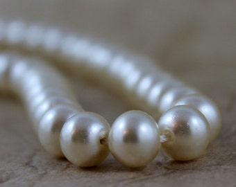 Vintage Pearl Collar - Faux Pearl Collar Necklace - Circa 1950's