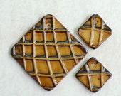 DESTASH Wavy Line Grid Ceramic Pendant Set in Bronze Old Oil Glaze