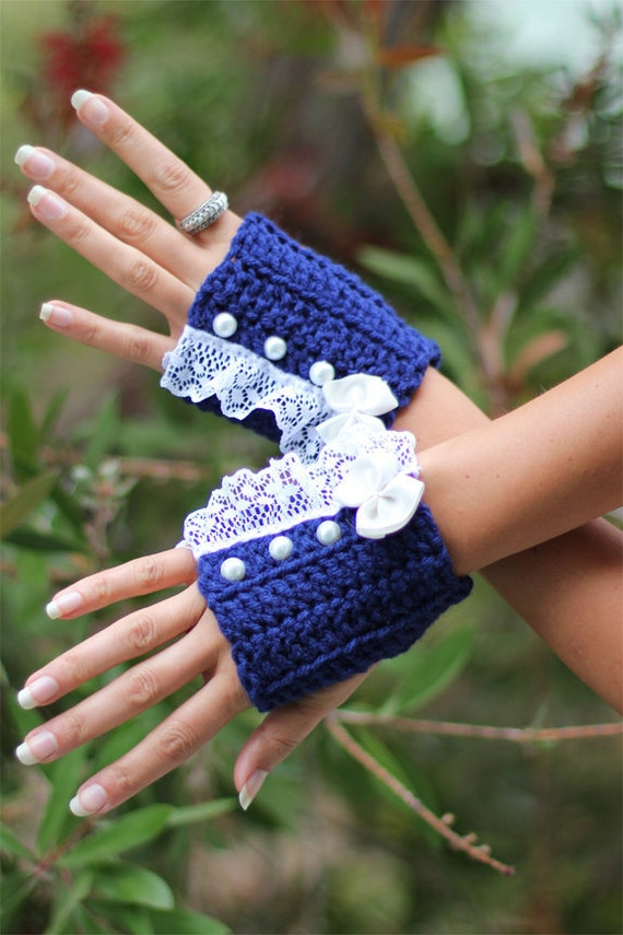 Fingerless Gloves in Navy by Mademoiselle Mermaid