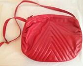Vintage Red Leather Cross Body Purse. Chevron. Black Lining. Long Strap. 1980s. Medium Size Purse. Vintage Bag. Designer Purse. Accessory.