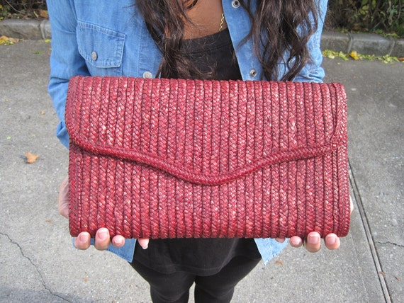 Vintage Straw Woven Clutch with Cotton Beige Lining. Brown. Red. Small Purse. Designer. Fall. Rustic. Circa 1970s.