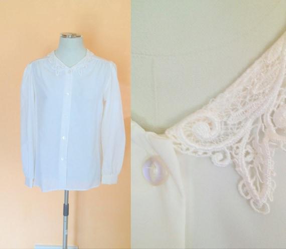 SALE- Vintage Sheer White Blouse. Lace Collar. Feminine. Size Medium. 1990s. Classic Shirt. Long Sleeve. Oversized Blouse.