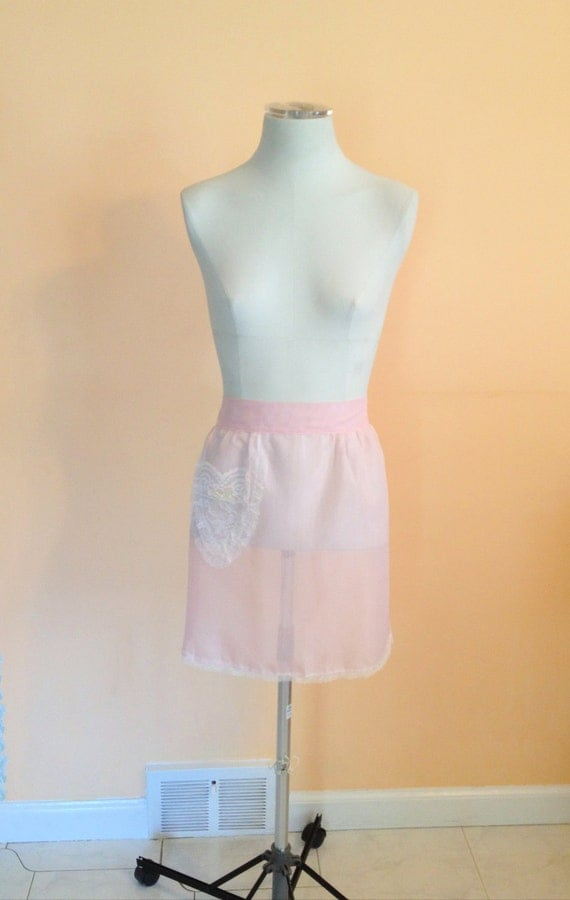 Vintage Pink Lace Half Apron. Light Pink. White. Bow. Feminine. Heart. Romantic. Homemaker. Cooking. Serving. Frilly. Adjustable. 1970s.