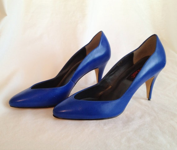 RESERVED PRIORITY SHIPPING for London. Vintage Blue Stiletto Heels.