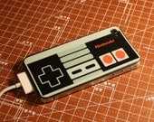 Nintendo NES controller iPhone 4 sticker