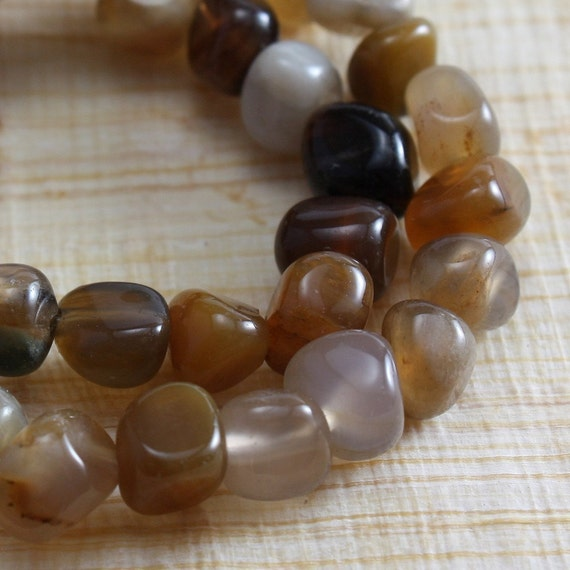 Wooden Agate Beads 5mm Pebble Nuggets - full strand