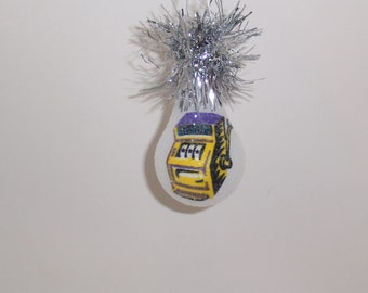 Slot machine light bulb ornament