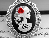 White Black Zombie Skeleton Cameo Necklace - Snow White Queen - Setting 2