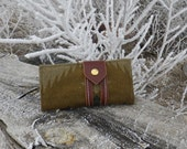 Pendleton wool wallet with leather snap closure