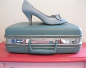 vintage leather heels 1980s baby blue BOW toe stiletto BOMBSHELL 7.5 N