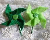 Green Pinwheels Hair Pins