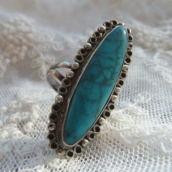 Turquoise and Sterling Silver Vintage Size 6 1/2 Ring