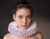Small  Elizabethan  Ruff  -WHITE  PRINCESS by Costume Renaissance for Corinna