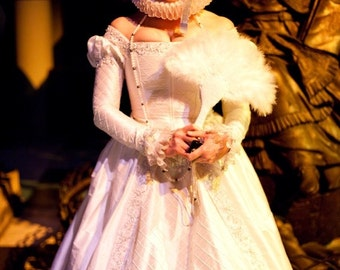 Small Elizabethan  Ruff  -WHITE  PRINCESS