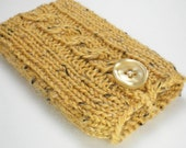 Knitted iPhone case or iPod case in Butter Yellow - SPECIAL EDITION - Winter Tweed