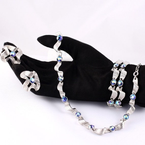 1950s Iridescent Rhinestone Jewelry Set - Necklace Bracelet and Earrings w/ Silver Ribbon Look