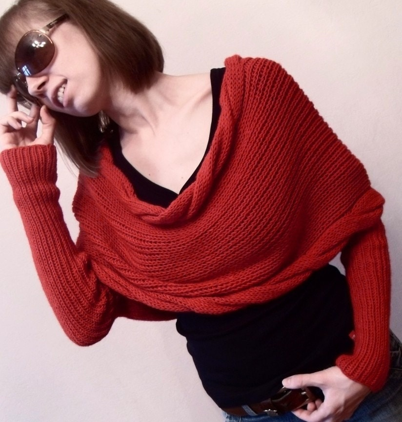 Long Scarf With Sleeves In Red