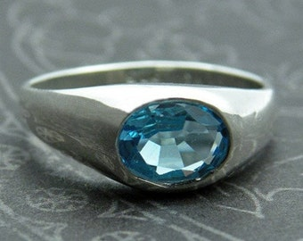 Sterling silver ring with aquamarine