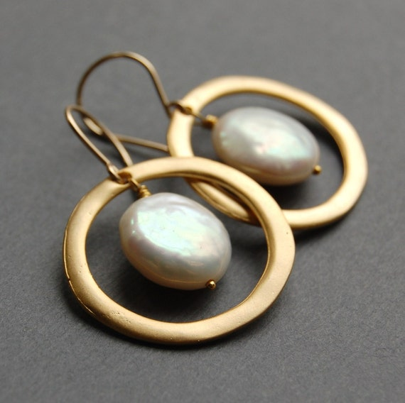 Encircled Coin Pearls in Gold