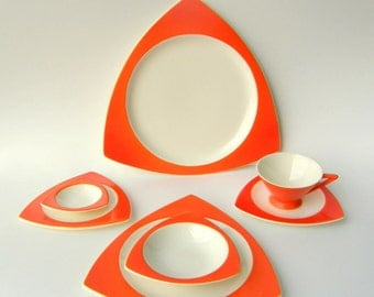 RESERVED for L******R*** Installment #4 of 4, Due 8/6 - Custom Salem Dinnerware: Atomic Art Deco Streamline / Tricorne in Mandarin Orange