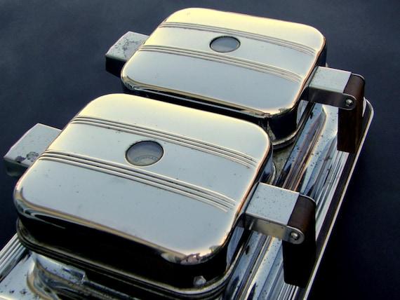Waffle Iron: Aerodynamic Mid Century Manning Bowman Dual-Plate, 1940s Art Deco